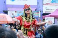 """Sintren, Tarian Mistis asal Cirebon yang Penarinya Diyakini Kerasukan Roh """"Bidadari"""""""