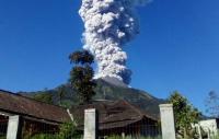 Gunung Merapi Alami 4 Kali Gempa Guguran