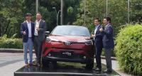 Toyota C-HR Hybrid Meluncur, Simak Harga Mahalnya