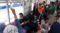 Perempuan yang Melahirkan di KRL Dibawa ke Rumah Sakit Universitas Indonesia