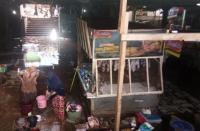 Lapak Pedagang di Pasar Jambu Dua Bogor Terendam Lumpur