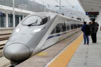 Pria di China Berusaha Pecahkan Kaca Kereta Kecepatan Tinggi untuk Hirup Udara Segar