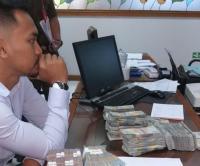Didenda Rp100 Juta, Penyebar Meme PDIP Bayar Pakai Uang Receh Hasil Saweran
