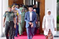 Di Surabaya, Jokowi Jadi Saksi Pernikahan Putri Rais Aam PBNU