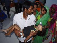 152 Anak-Anak Tewas Akibat Wabah Demam Otak Melanda India