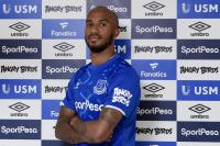 Everton Resmi Dapatkan Delph dari Man City
