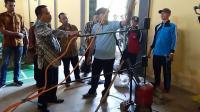 Guru SD di Purwakarta Ini Ciptakan Bahan Bakar Alternatif dari Limbah Plastik