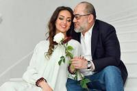 Mantan Ratu Kecantikan Rusia Bantah Kabar Perceraiannya dengan Sultan Malaysia