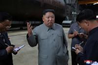 Kim Jong-un Inspeksi Pembuatan Kapal Selam, Isyaratkan Kelanjutan Program Rudal Korut
