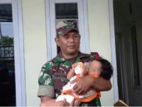 Bayi yang Peluk Jasad Ayahnya yang Sudah 3 Hari Meninggal Akan Dirawat Budenya