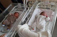 1 dalam 50 Juta, Ibu di Kazakhstan Lahirkan Bayi Kembar Berselang 11 Pekan