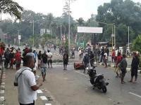Sempat Gagal, Polri & TNI Terus Negosiasi Redam Kerusuhan di Manokwari