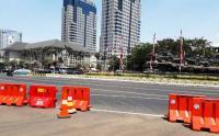 Ada Demo Buruh, Jalan Medan Merdeka Selatan Arah Stasiun Gambir Ditutup Sementara