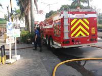 Rumah dan Warteg di Matraman Terbakar, 15 Unit Damkar Dikerahkan