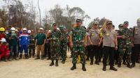 Pantau Titik Api Karhutla Riau, TNI Gunakan Drone di Malam Hari