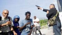 Wakil Rakyat Haiti Tembakkan Pistol Melukai Jurnalis Foto