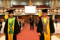 UNS Kukuhkan 2 Guru Besar di Bidang SDM dan Ilmu Gizi