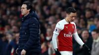 Kerap Cadangkan Ozil, Emery Kembali Dikritik