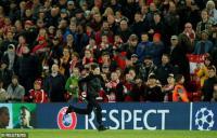 Penonton Berulah, Liverpool dan Man City Dihukum UEFA