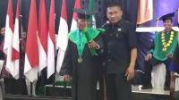 Kakek 85 Tahun Lulus Sarjana, Mantan Murid Waktu SMP Jadi Dosen Pembimbing