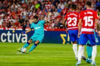 Abidal: Suarez Tidak Masalah Barcelona Beli Penyerang Baru
