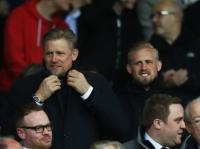 Peter dan Kasper Schmeichel Raih Trofi Liga Inggris Perdana di Umur yang Sama