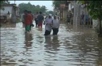 Permukiman di Karawang Terendam Banjir, Sebagian Warga Mulai Mengungsi