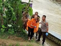 Mayat Pria Ditemukan Mengambang di Sungai Ciherang Purwakarta