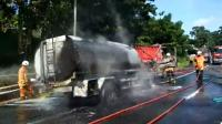 Truk Tangki BBM Meledak hingga Hangus Terbakar Usai Tabrakan di Tol Semarang