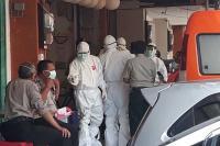 WN Jepang Meninggal di Denpasar, Tim Medis Gunakan APD saat Mengevakuasi
