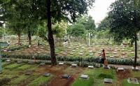 Ridwan Kamil Minta TNI-Polri Kawal Pemakaman Jenazah Korban Covid-19