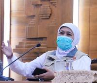 Soal PSBB, Khofifah Sebut Konektivitas Antar Kabupaten/Kota di Jatim Hampir Tak Bisa Dipisahkan
