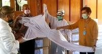 Pandemi Corona, Gibran Sumbangkan 1.200 APD untuk Tim Medis