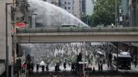 Tangkap Puluhan Demonstran, Polisi Hong Kong Tembakan Gas Air Mata