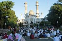 Melihat Sholat Id Berjamaah di Masjid Bersejarah di Malang