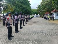 Cegah Liburan di Masa Idul Fitri, Ratusan Polisi Jaga Pantai Anyer & Carita