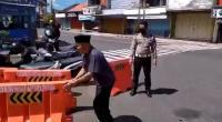 Viral Seorang Pria Bongkar Paksa Penyekat Jalur Mudik di Wonosobo