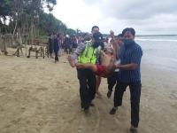Berwisata di Tengah Pandemi Corona, 3 Wisatawan Terseret Ombak
