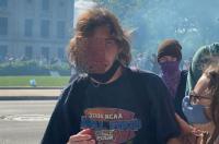 Seorang Pedemo Buta Terkena Tembakan Gas Air saat Demo Kematian George Floyd