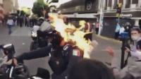 Polisi di Meksiko Dibakar dalam Demonstrasi Memprotes Kematian Pemuda Lokal