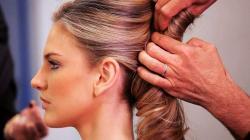 Tidak Menyesuaikan Kondisi Kesehatan Rambut, Kesalahan yang Sering Dilakukan saat Mewarnai Rambut