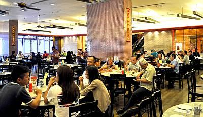 Makan di Restoran Tak Lagi Mahal
