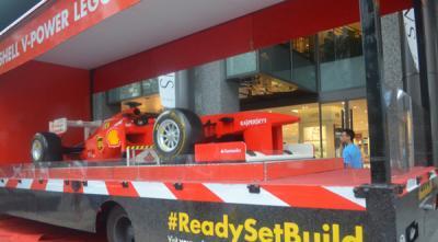 Ada Ferrari F1 dari Lego di Orchard Road