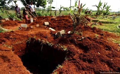 Cerita Juha Minta Dikubur di Kuburan Lama