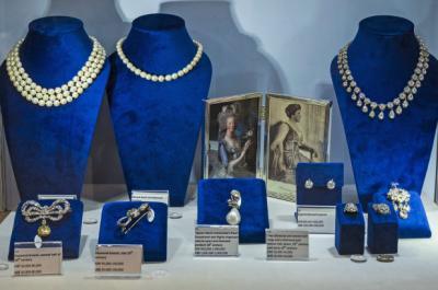 Perhiasan Milik Mendiang Ratu Marie Antoinette Dilelang dengan Harga Ratusan Miliar