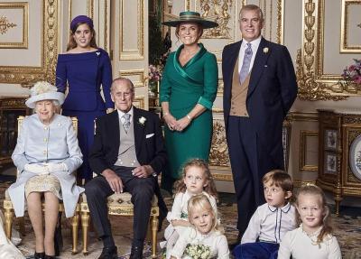 Potret Foto Keluarga Pernikahan Putri Eugenie, Ahli Bahasa Tubuh Ungkap Sesuatu Rahasia di Kerajaan Inggris!