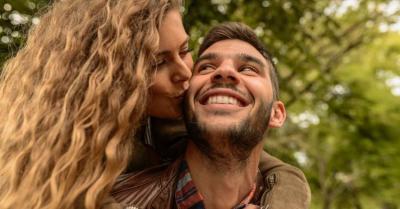 Penelitian Ungkap Ada Persamaan Matematis saat Orang Jatuh Cinta