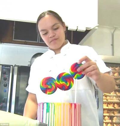 Kecil-Kecil Cabe Rawit, Bocah Ini Sukses Raup Keuntungan Belasan Juta dari Membuat Kue