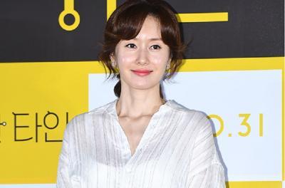 Kim Ji Soo Minta Maaf usai Datang dalam Keadaan Mabuk saat Interview