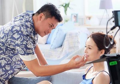 Make Up Artist Ryan Ogilvy Mengaku Pengen Banget Rias Wajah Iriana Jokowi